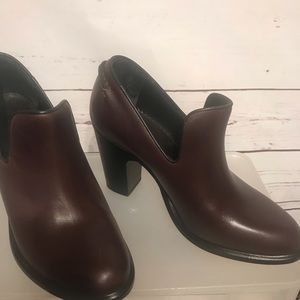 New all leather Rag & Bone Bootie Shoe